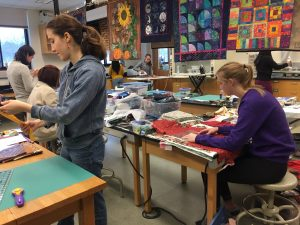 PSYC 15 Ephquilts: An Introduction to Traditional Quilting Group Picture